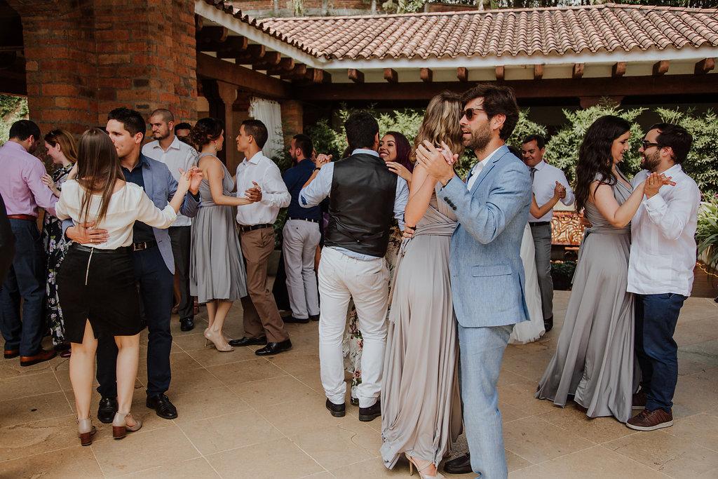 julieth-bravo-weddingplanner-matrimonio-baile-brunch-boda-cristiana-invitados.jpg