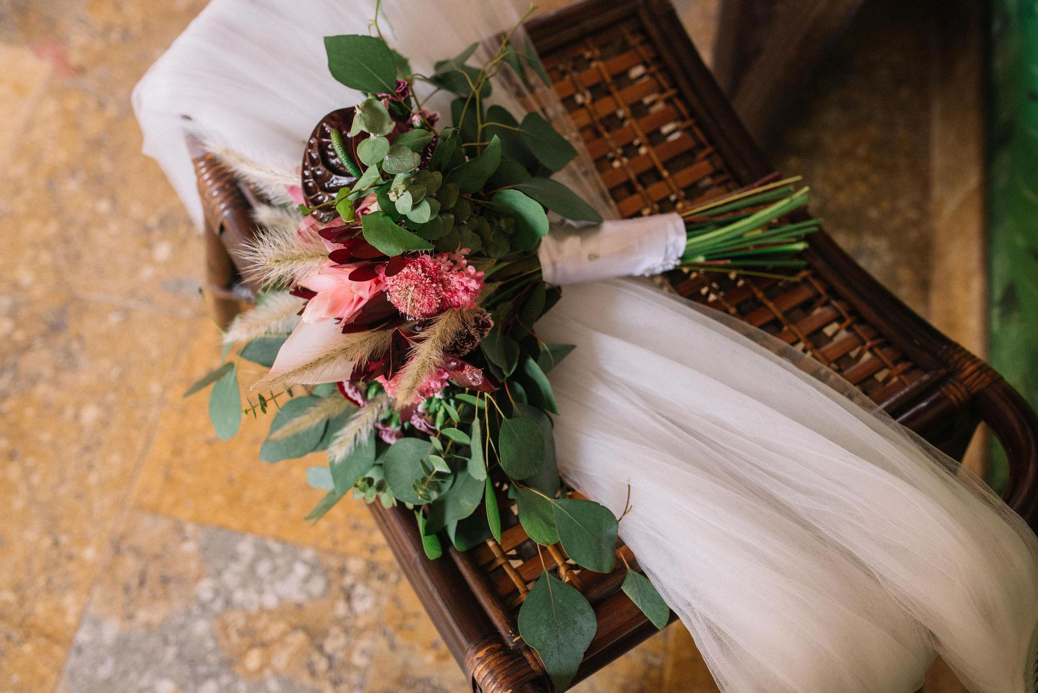 juliethbravo-bouquet-weddingplanner-bogota-colombia-destino-villavicencio-hotelcampanario-matrimonio-yugo.jpg