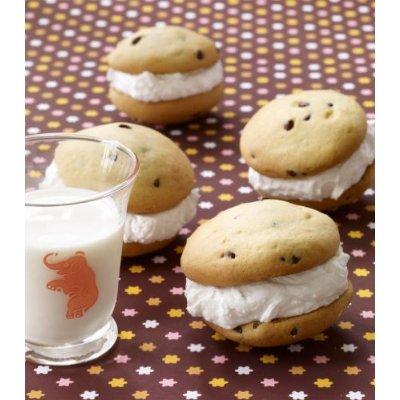 whoopie pie milk