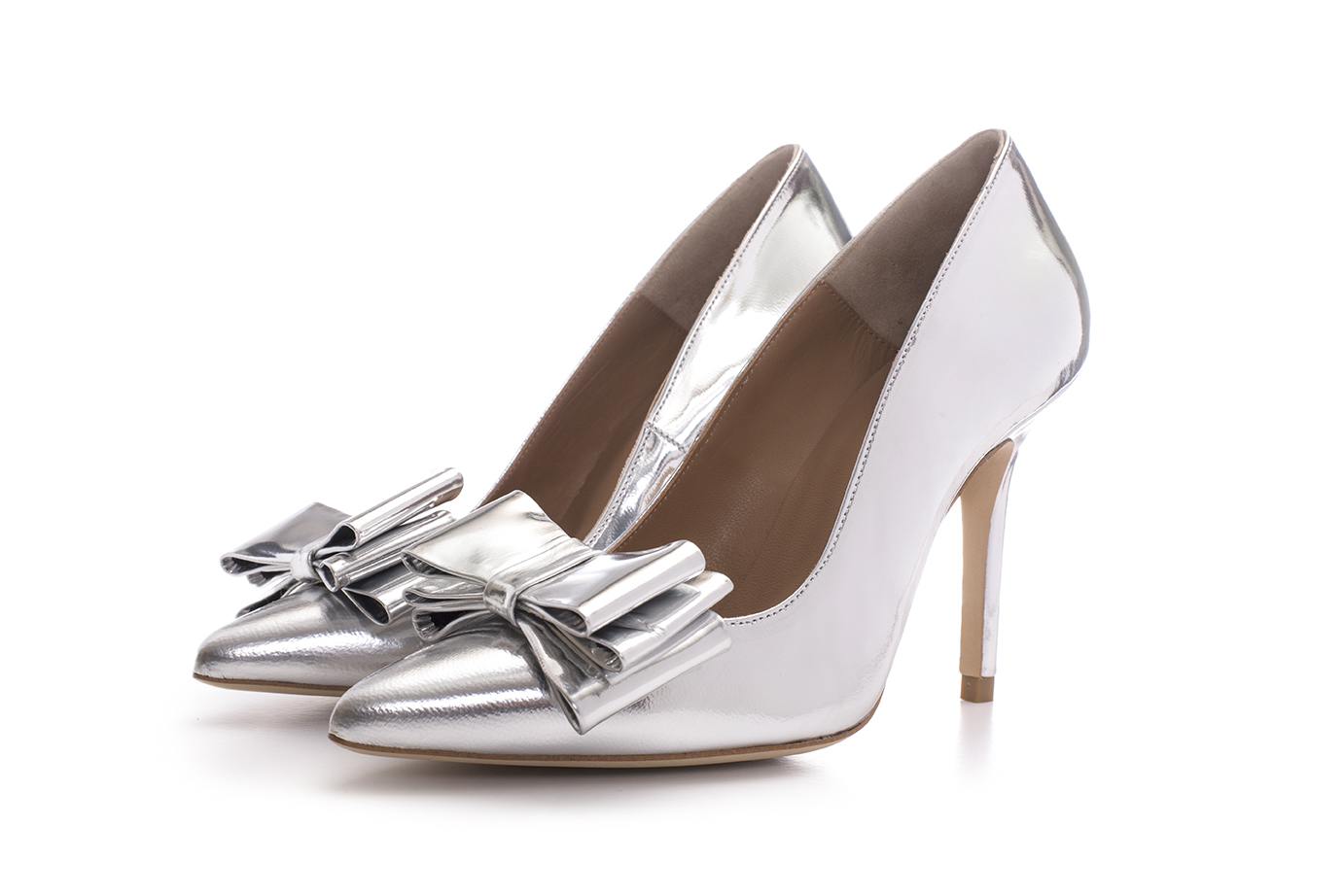silver-shoes-bows.jpg