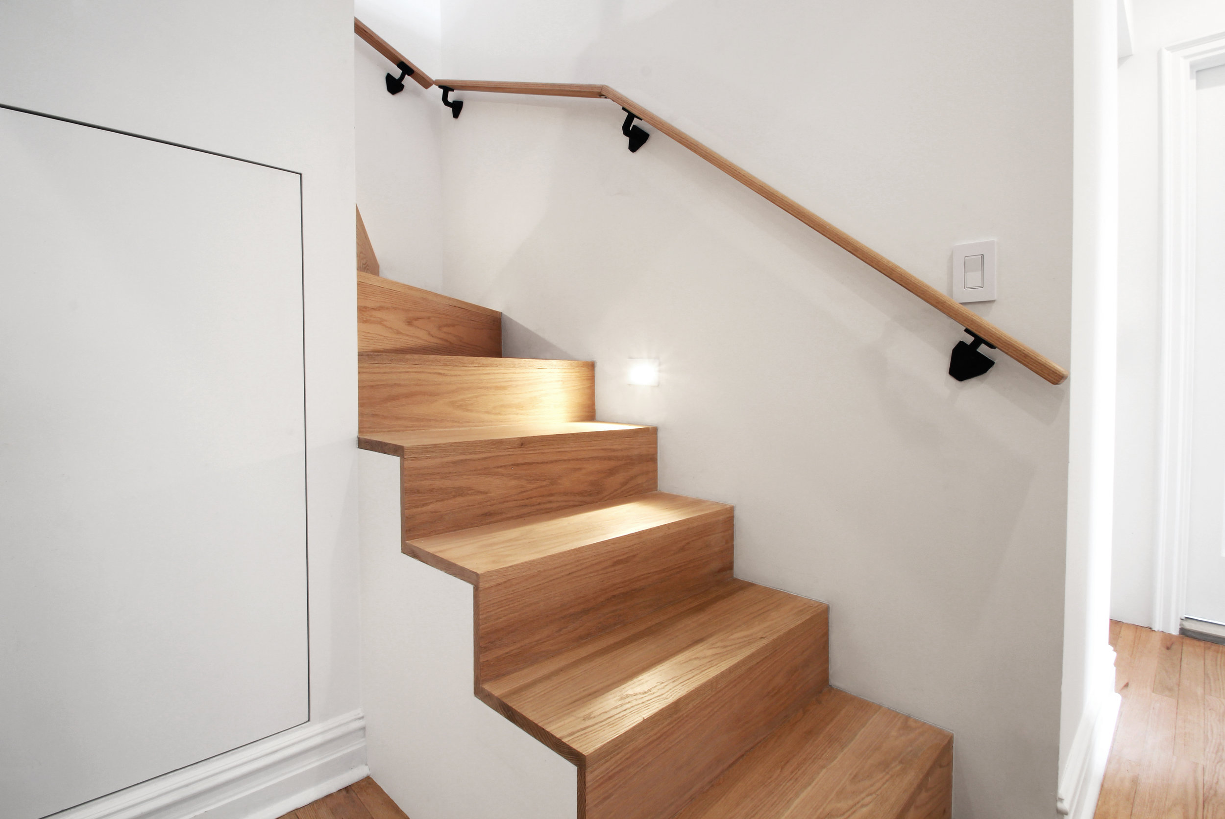 Bottom Stair 1.jpg
