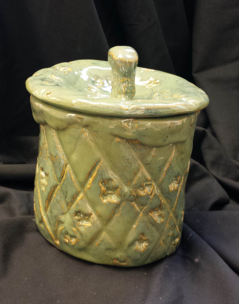 Pineapple Pot with Lid - SOLD