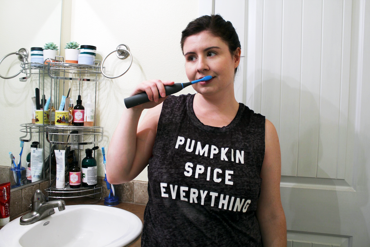 Using the cariPRO* toothbrush from Smile Brilliant