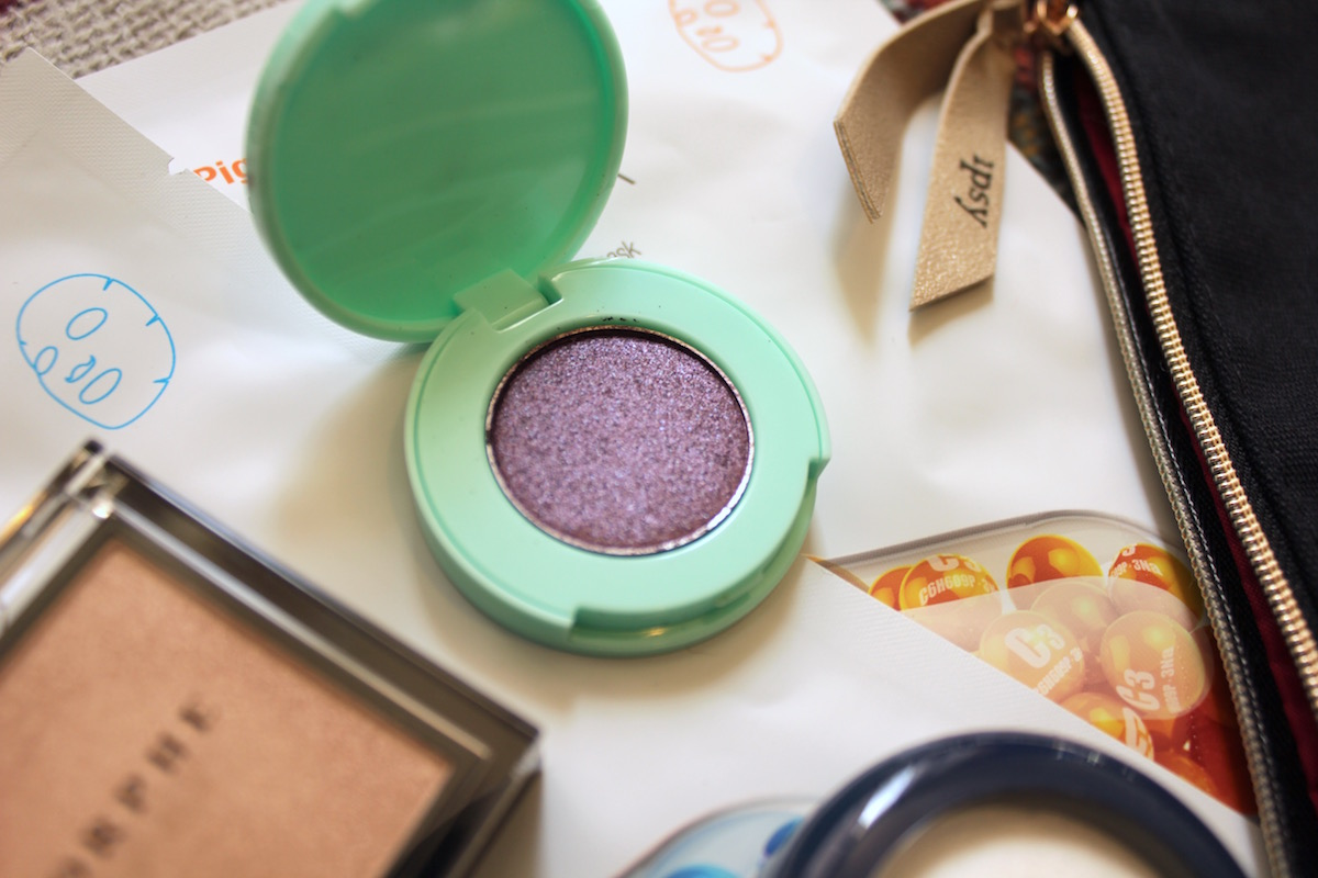 Winky Lux Eyeshadow in Ursula