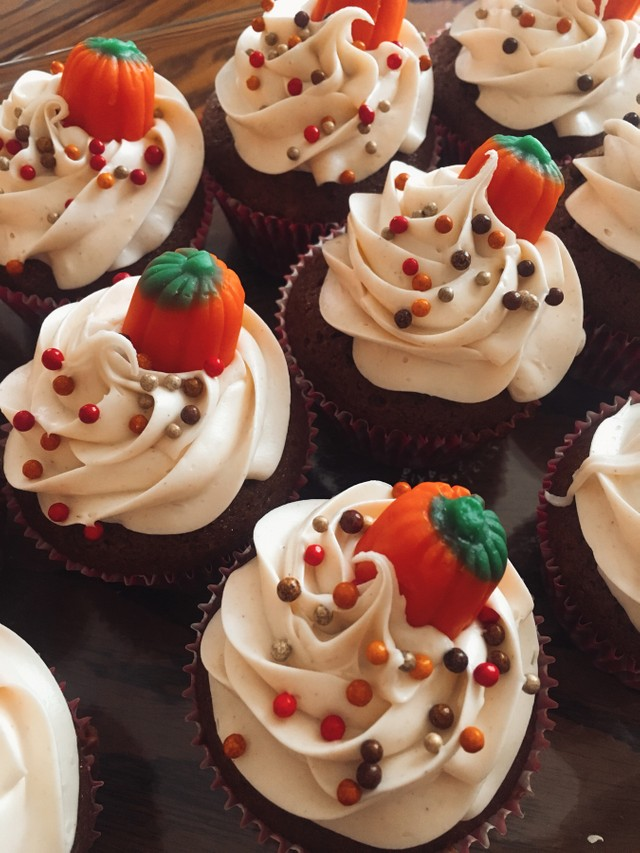 Cupcakes with Maple Frosting