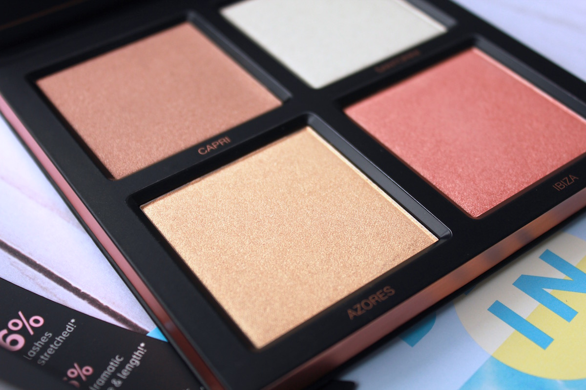 Huda Beauty 3D Highlighter Palette in Pink Sands