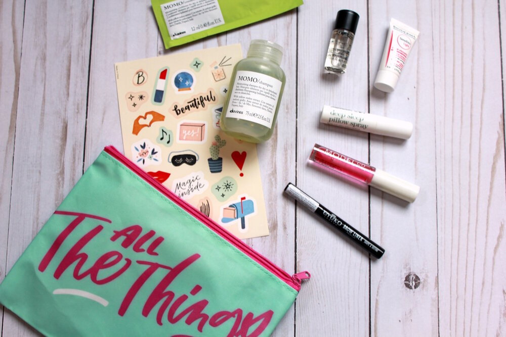 what comes in a birchbox how many samples