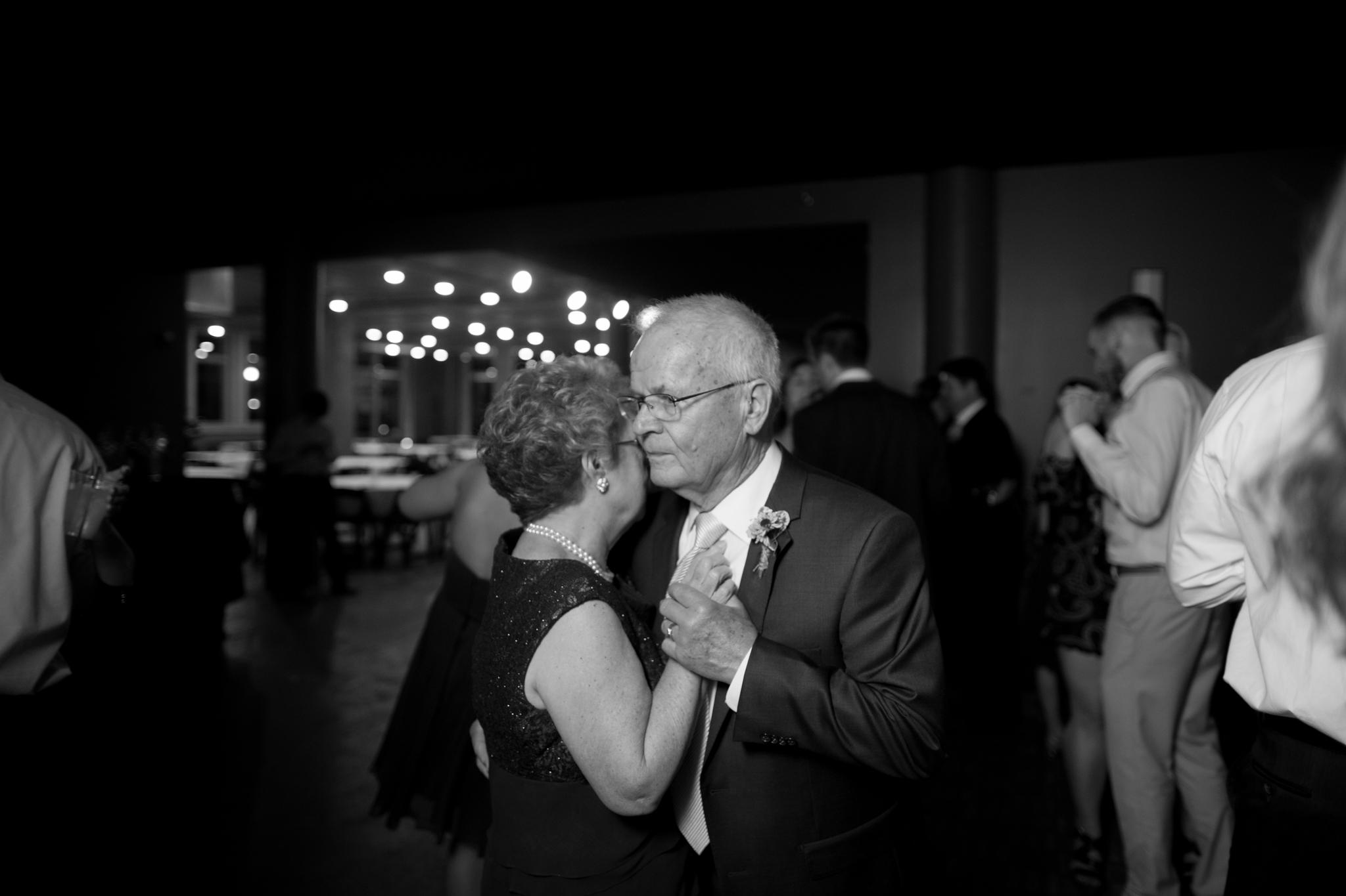 lawrence kansas wedding photographer-62.jpg