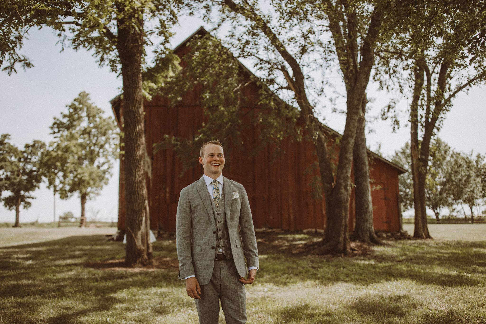 kansas city barn wedding -48.jpg