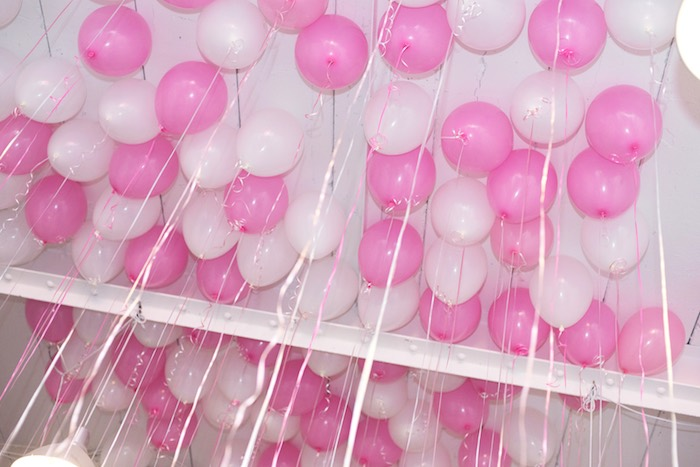 August In Bloom - Balloon ceiling - Fancy Pufs celebrates their first birthday
