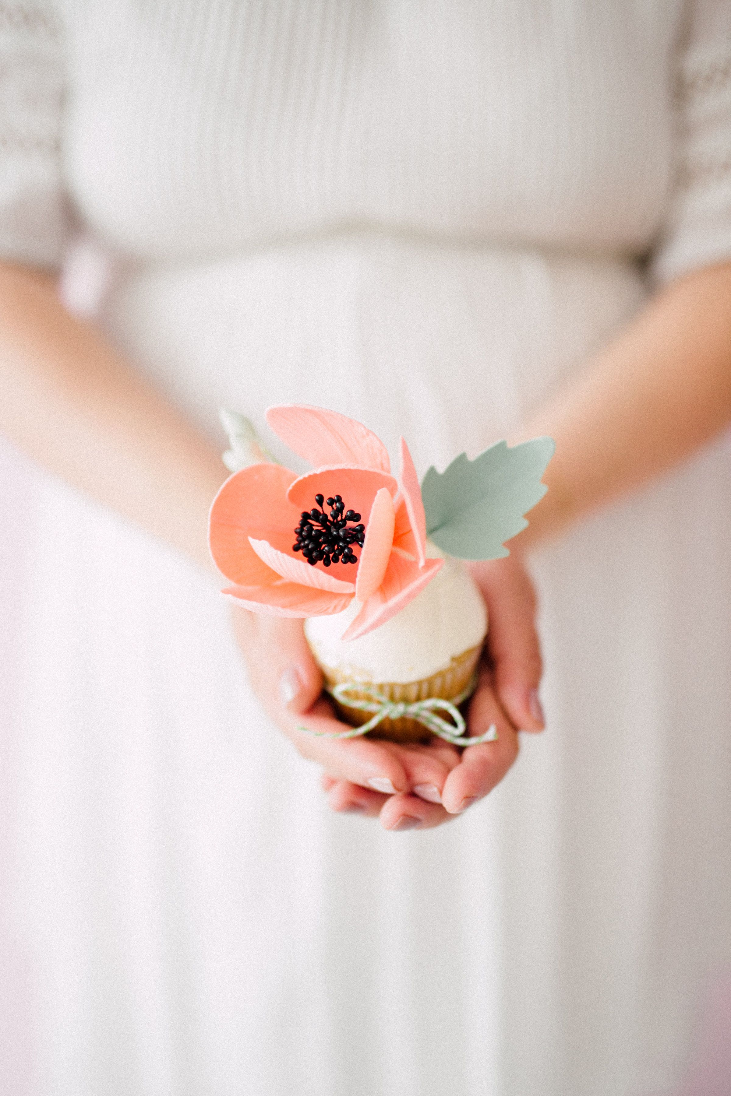 August In Bloom - Flower cupcake - Bun In The Oven Baby Shower (Style Me Pretty & SMP Living)