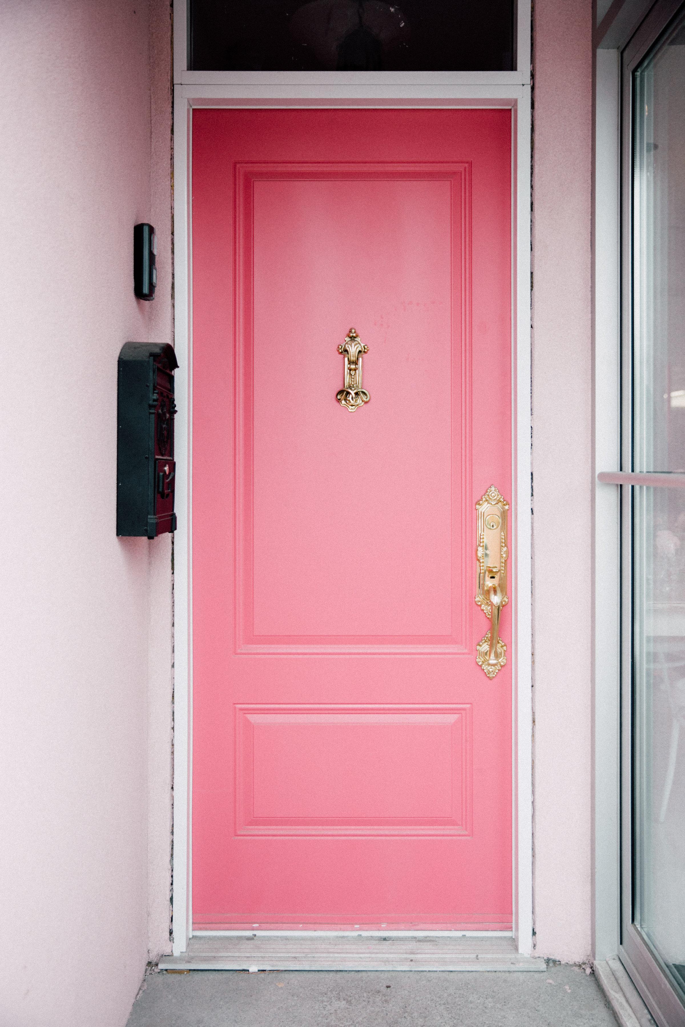 August In Bloom - Sweet Philosophy pink door - Bun In The Oven Baby Shower (Style Me Pretty & SMP Living)