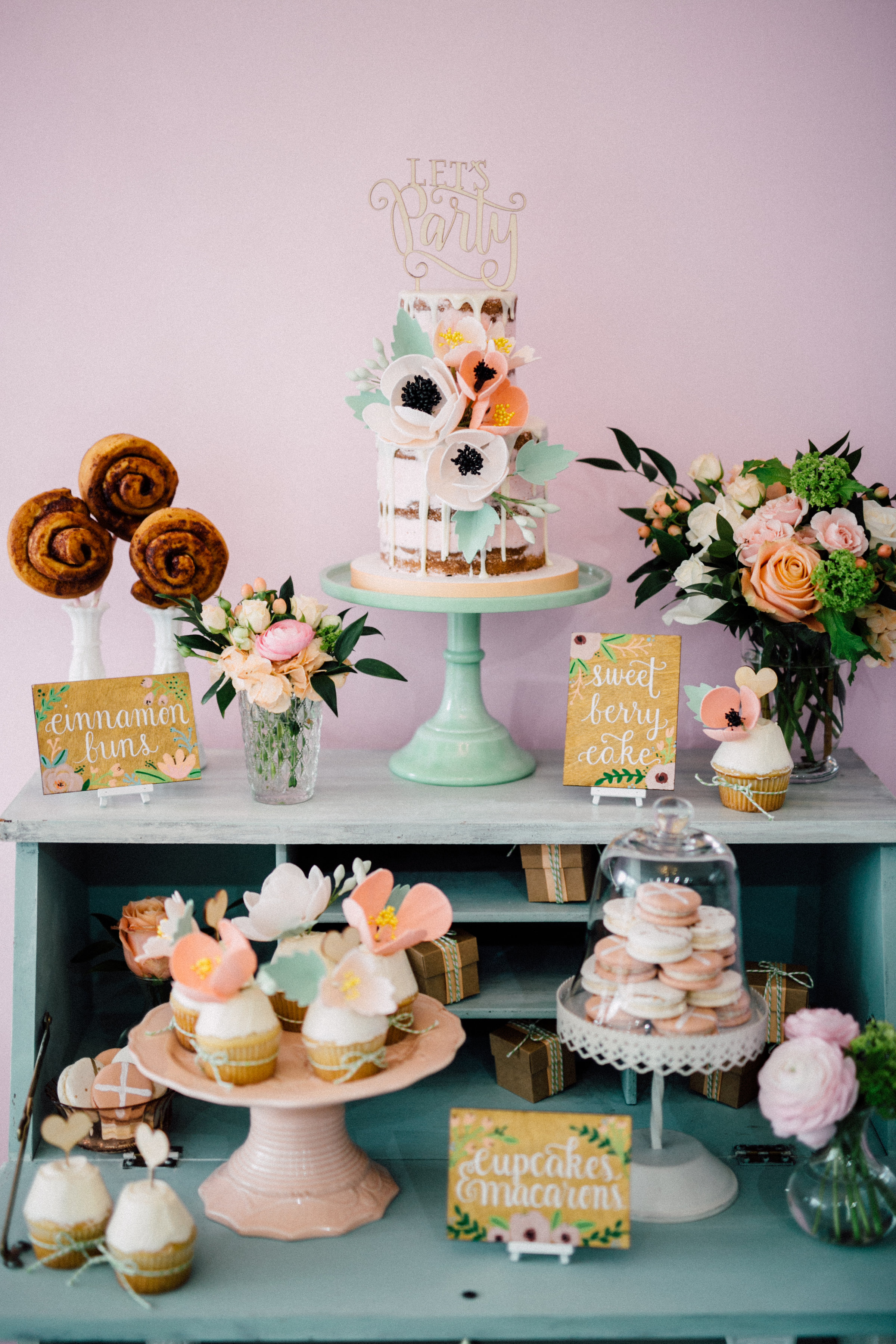 August In Bloom - Sweet table - Bun In The Oven Baby Shower (Style Me Pretty & SMP Living)