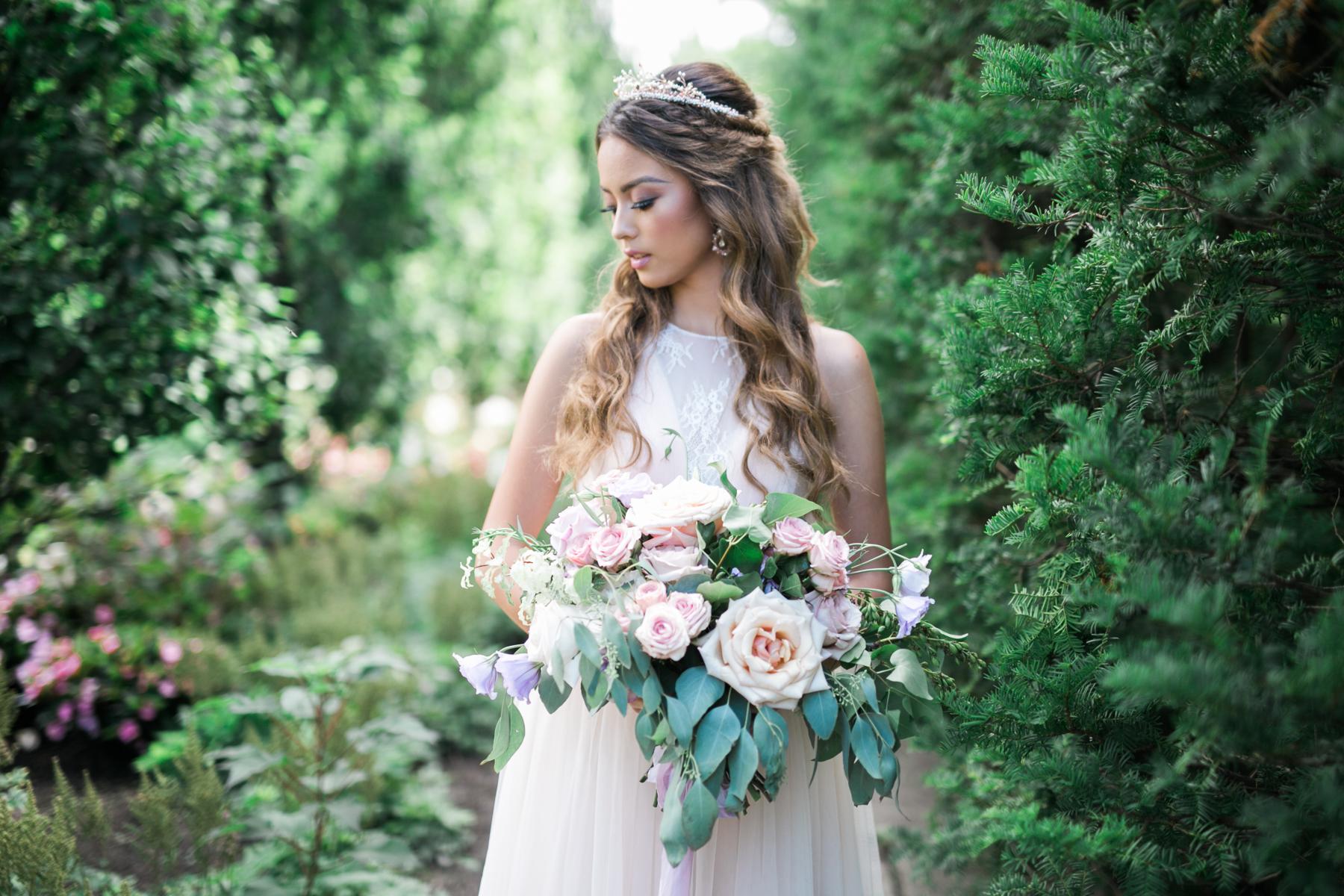 August In Bloom - Bride beauty - Fairytale Wedding (Wedluxe)