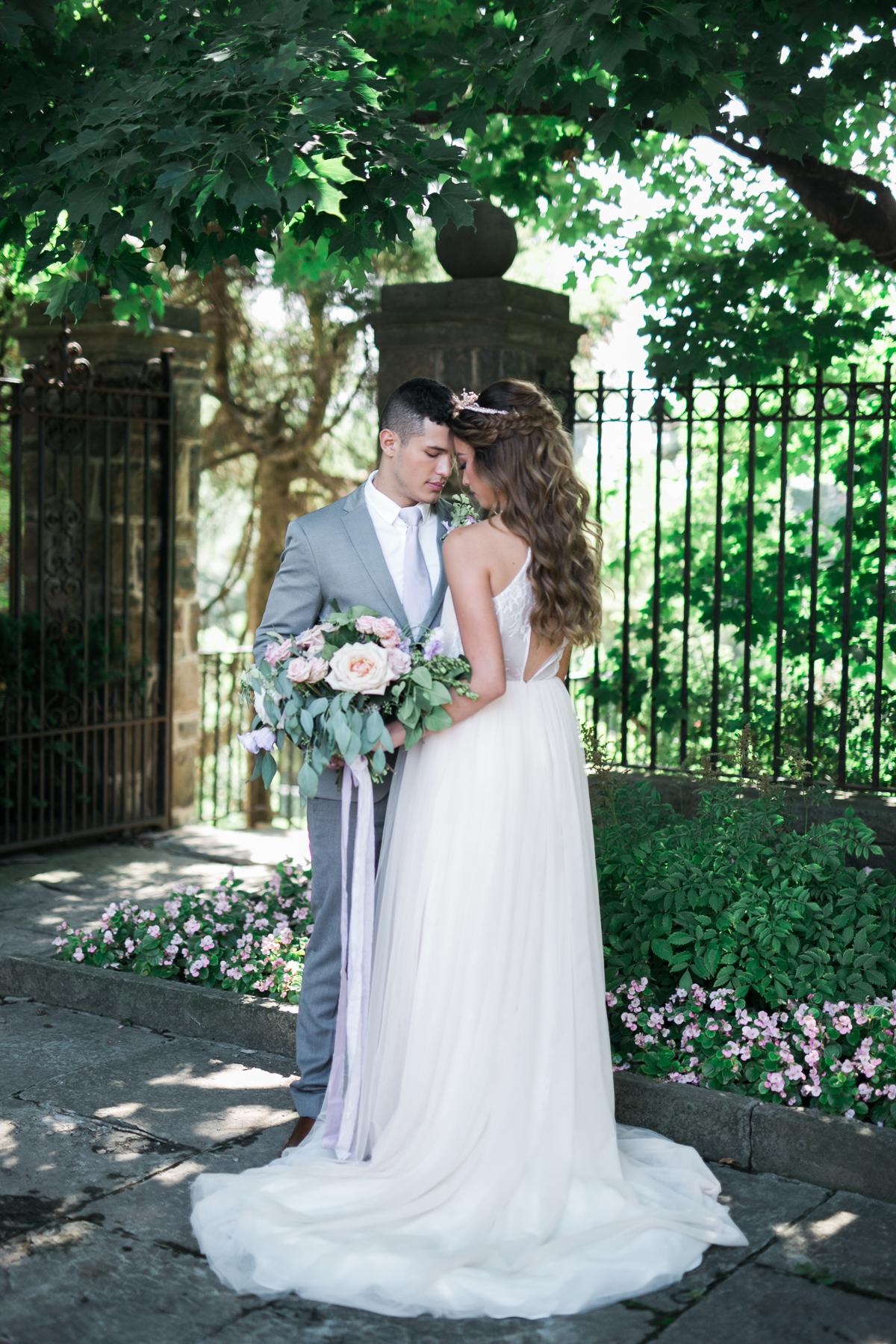 August In Bloom - Bride and groom - Fairytale Wedding (Wedluxe)