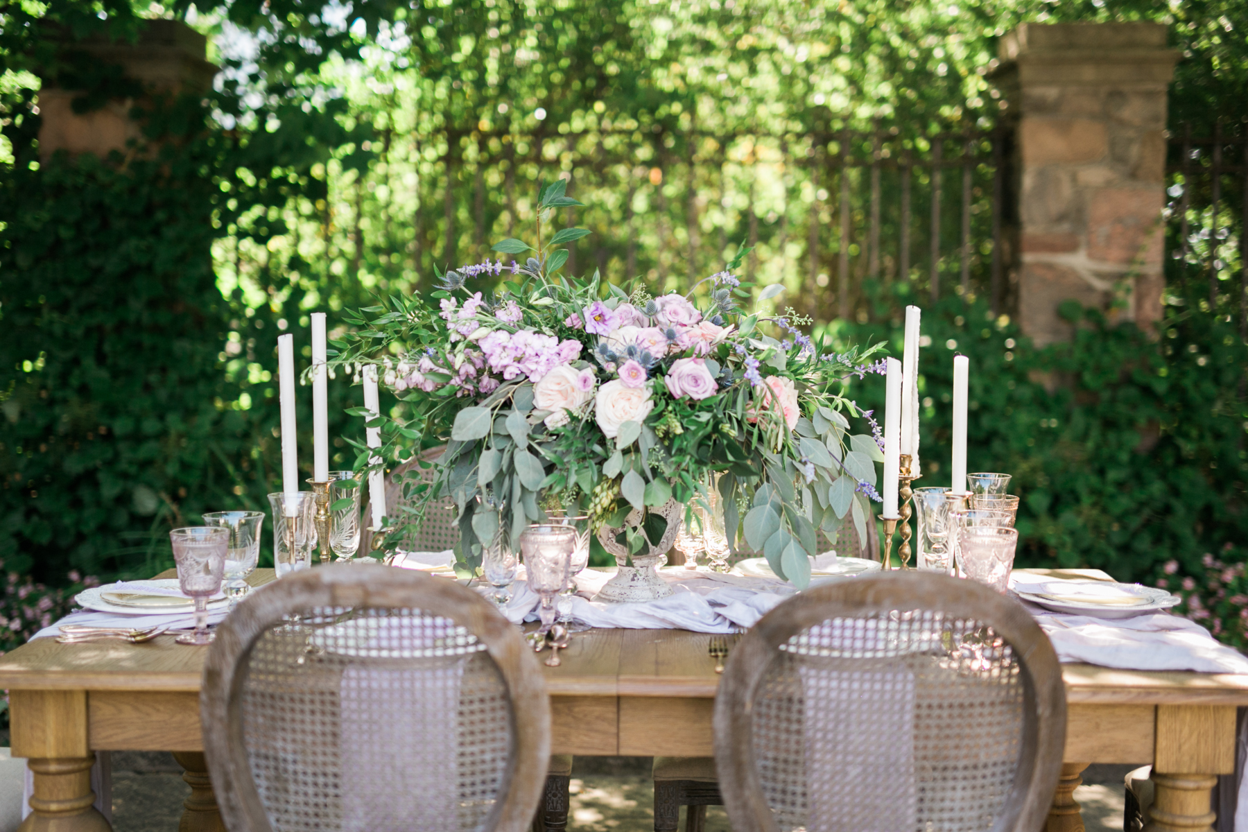August In Bloom - Romantic outdoor tablescape - Fairytale Wedding (Wedluxe)