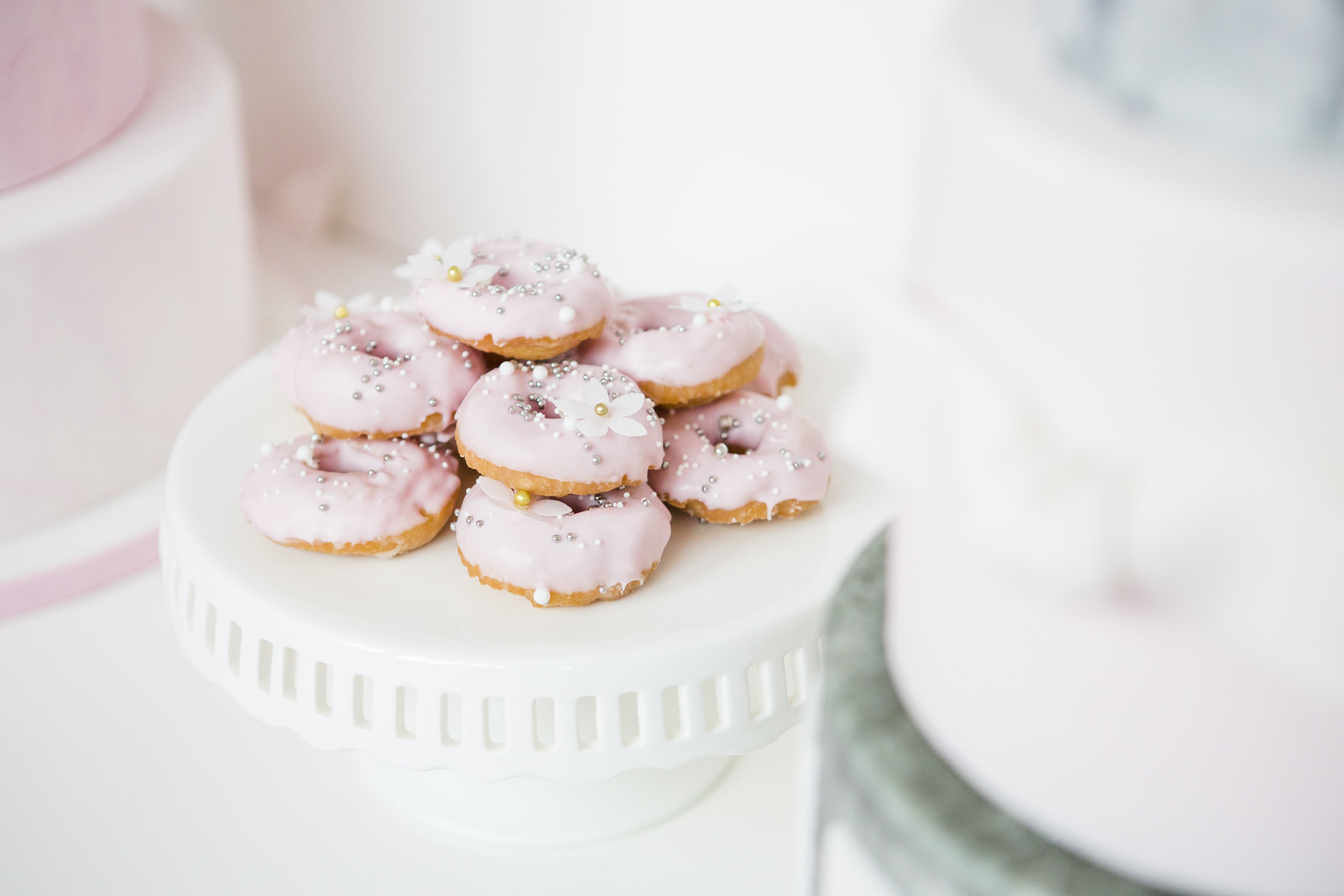 August In Bloom - Mini Donuts - Dior Darling (Wedluxe)