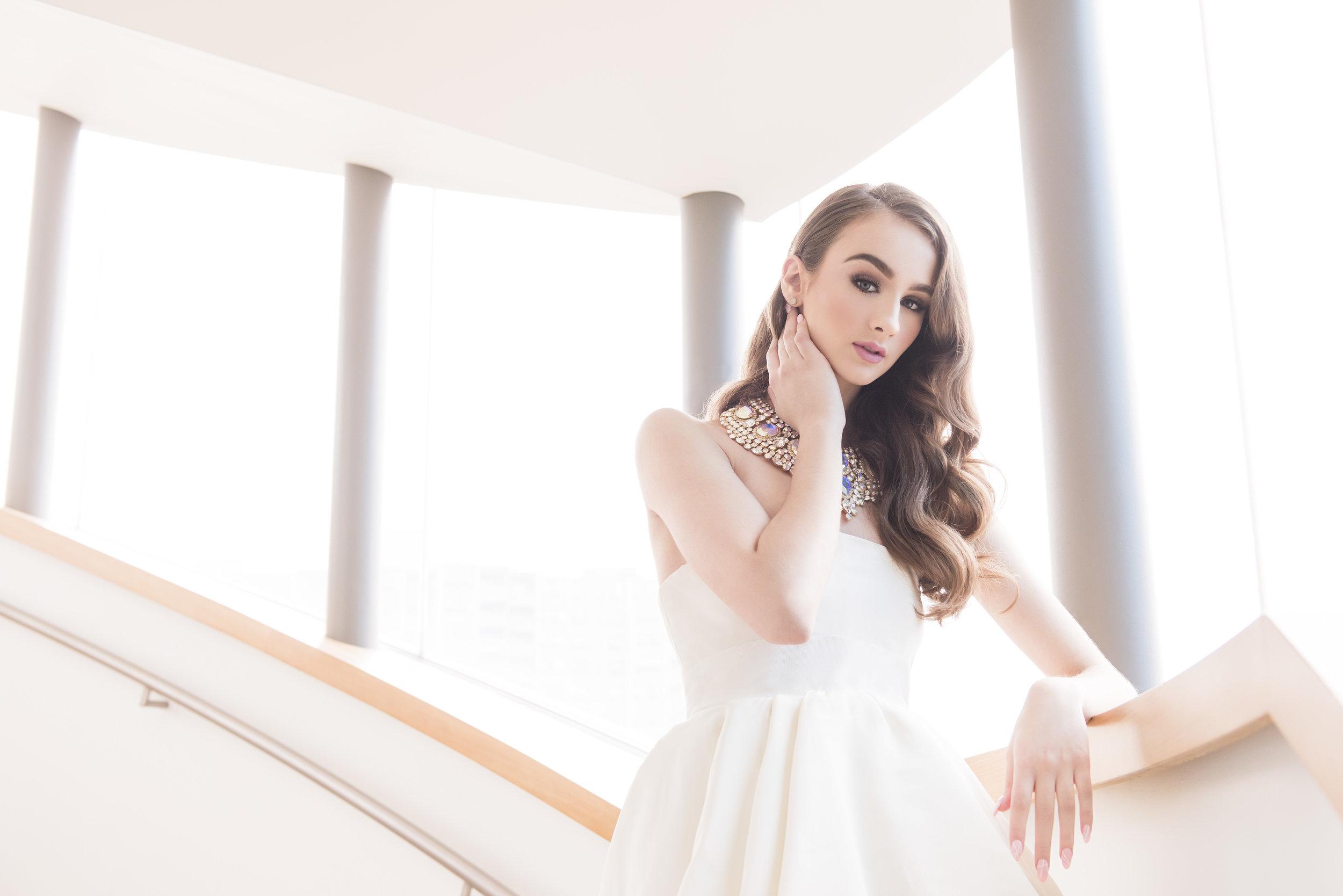 August In Bloom - Bride - Dior Darling (Wedluxe)