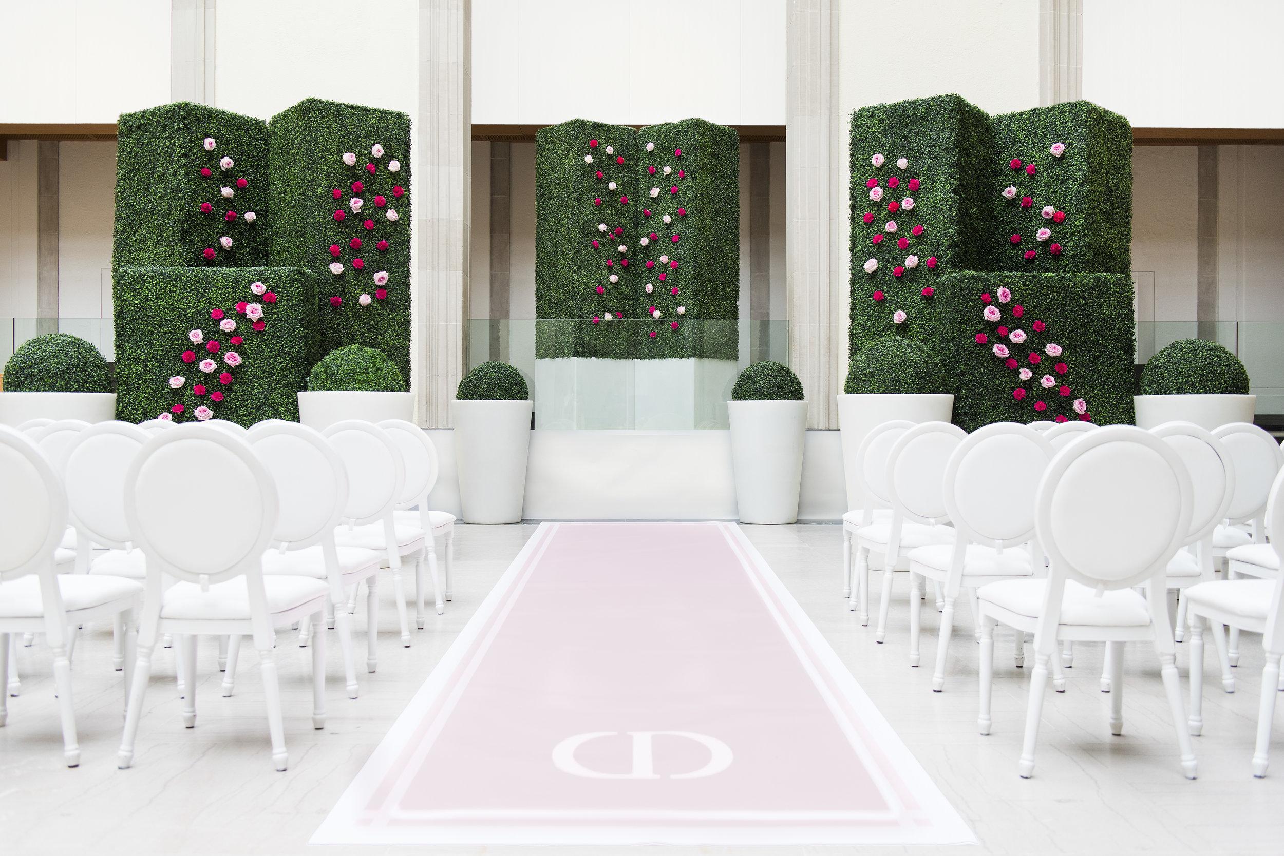 August In Bloom - Garden ceremony - Dior Darling (Wedluxe)