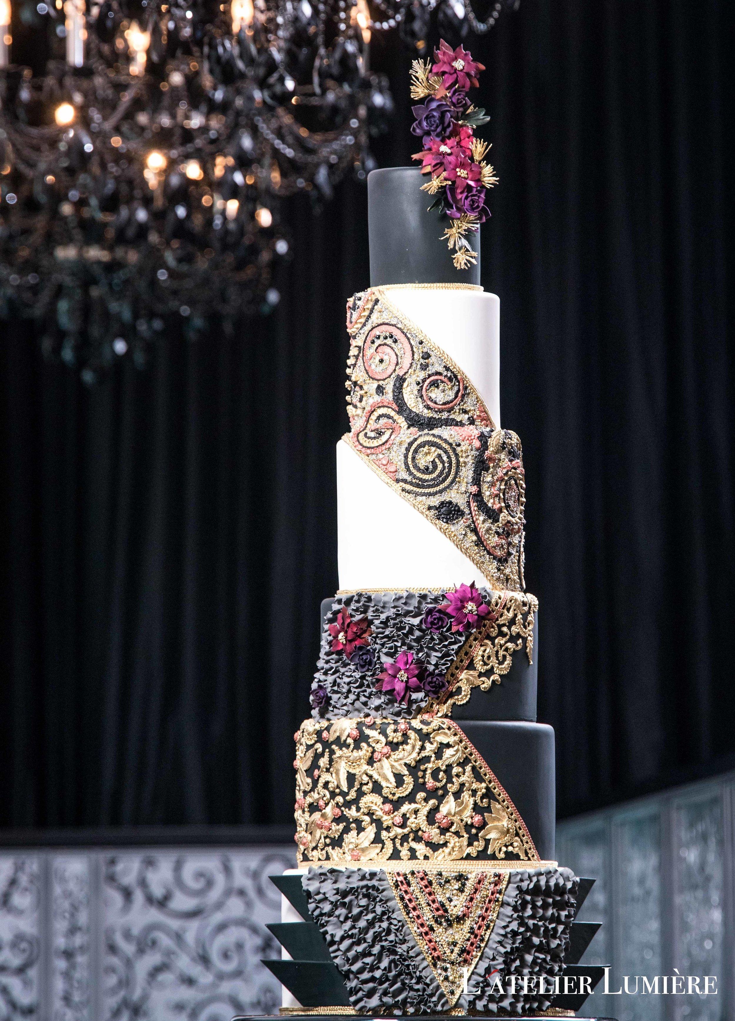 August In Bloom - Dramatic cake - Riri (Grace Ormond Wedding)