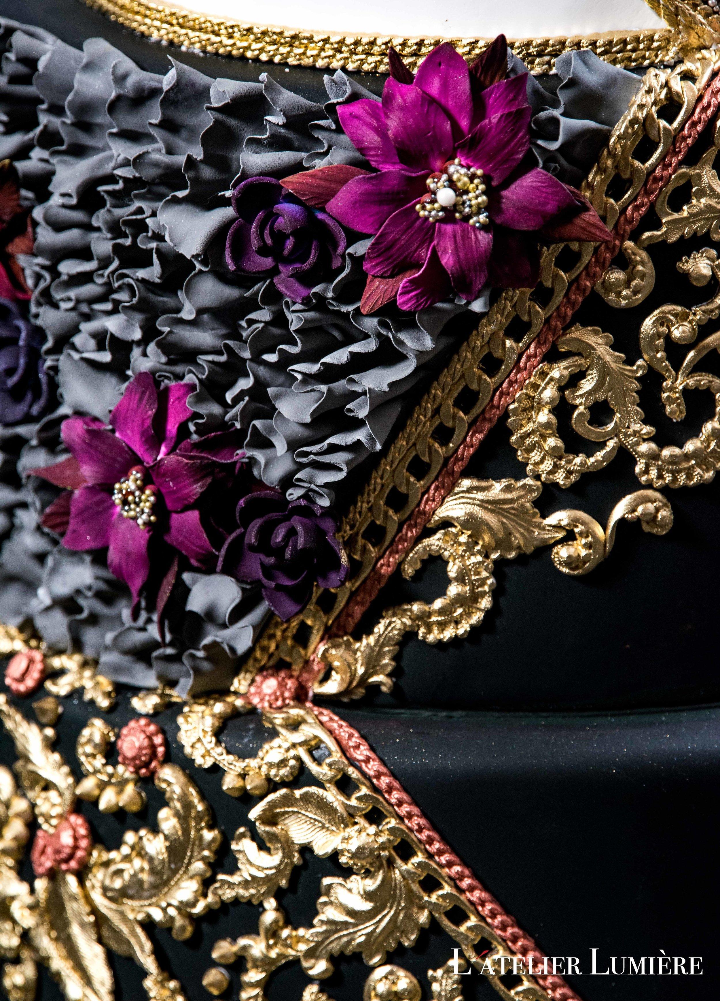 August In Bloom - Cake details - Riri (Grace Ormond Wedding)