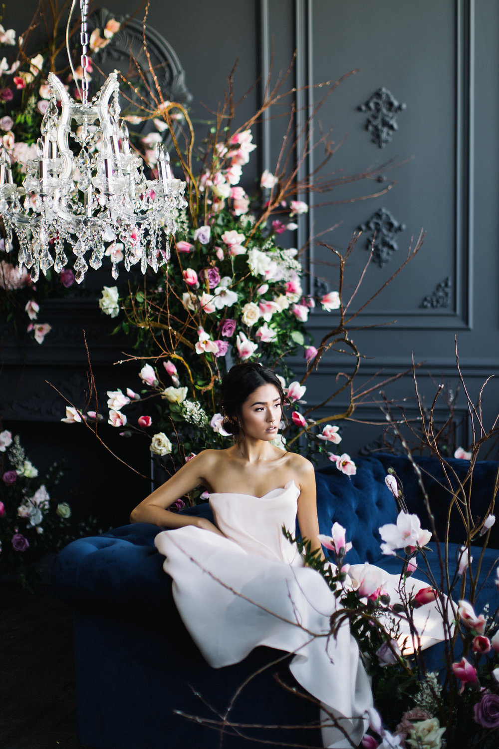 August In Bloom - Bride sitting - Magnolia Dreams (The Bridal Affair)