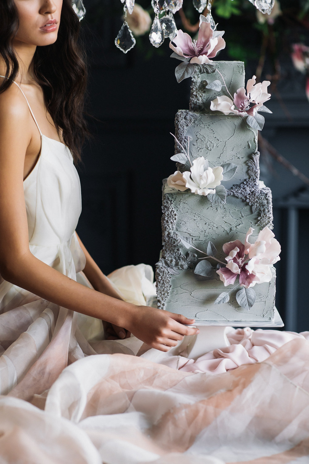 August In Bloom - Decadent cake - Magnolia Dreams (The Bridal Affair)