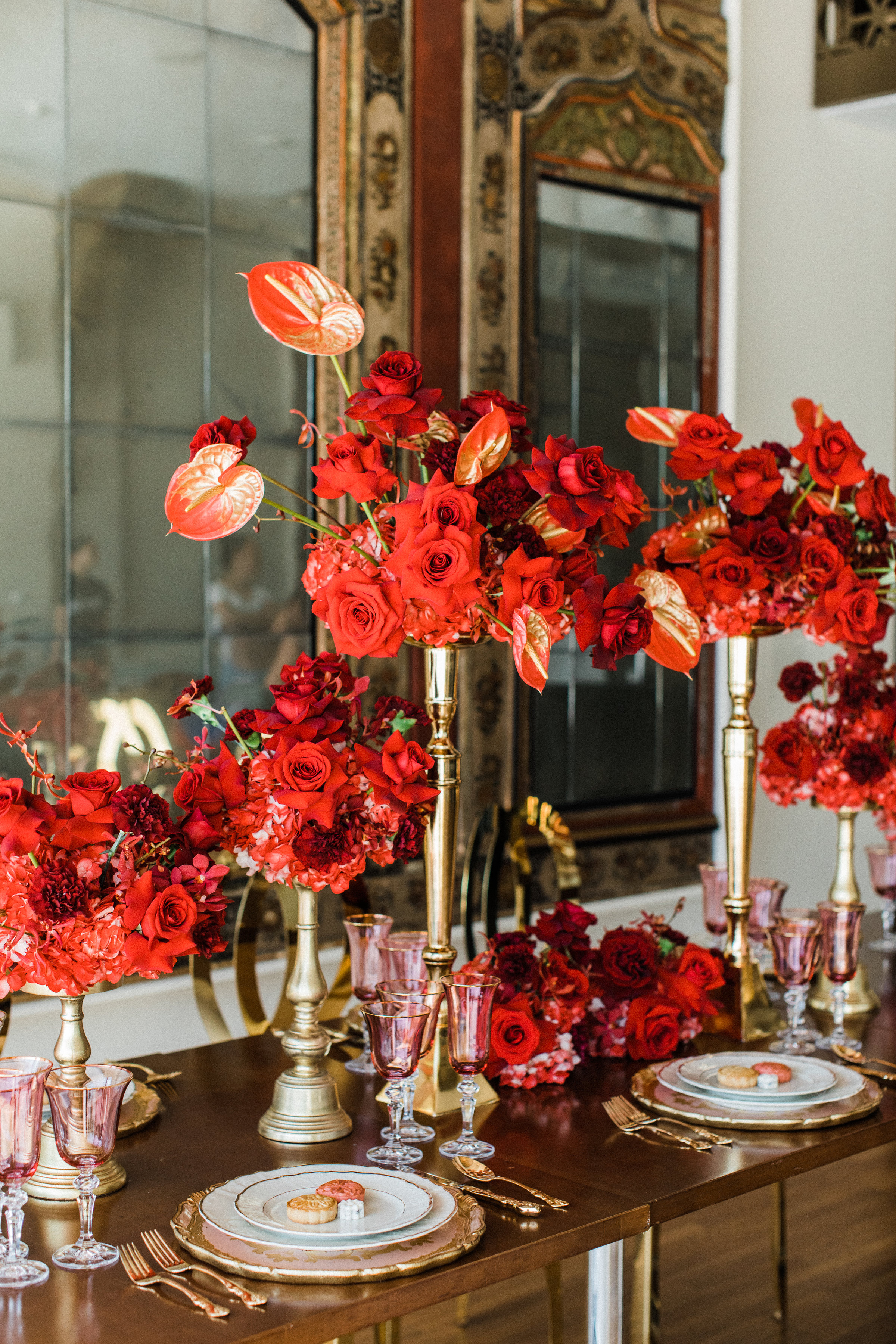 August In Bloom - Table decor - Scarlet Sweetheart (Lavish Dulhan)