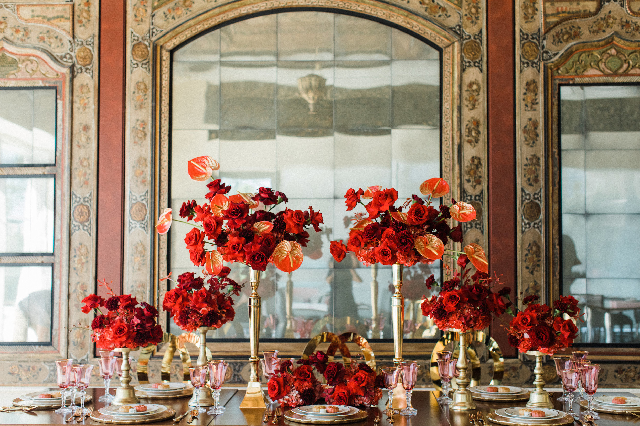 August In Bloom - Reception table - Scarlet Sweetheart (Lavish Dulhan)