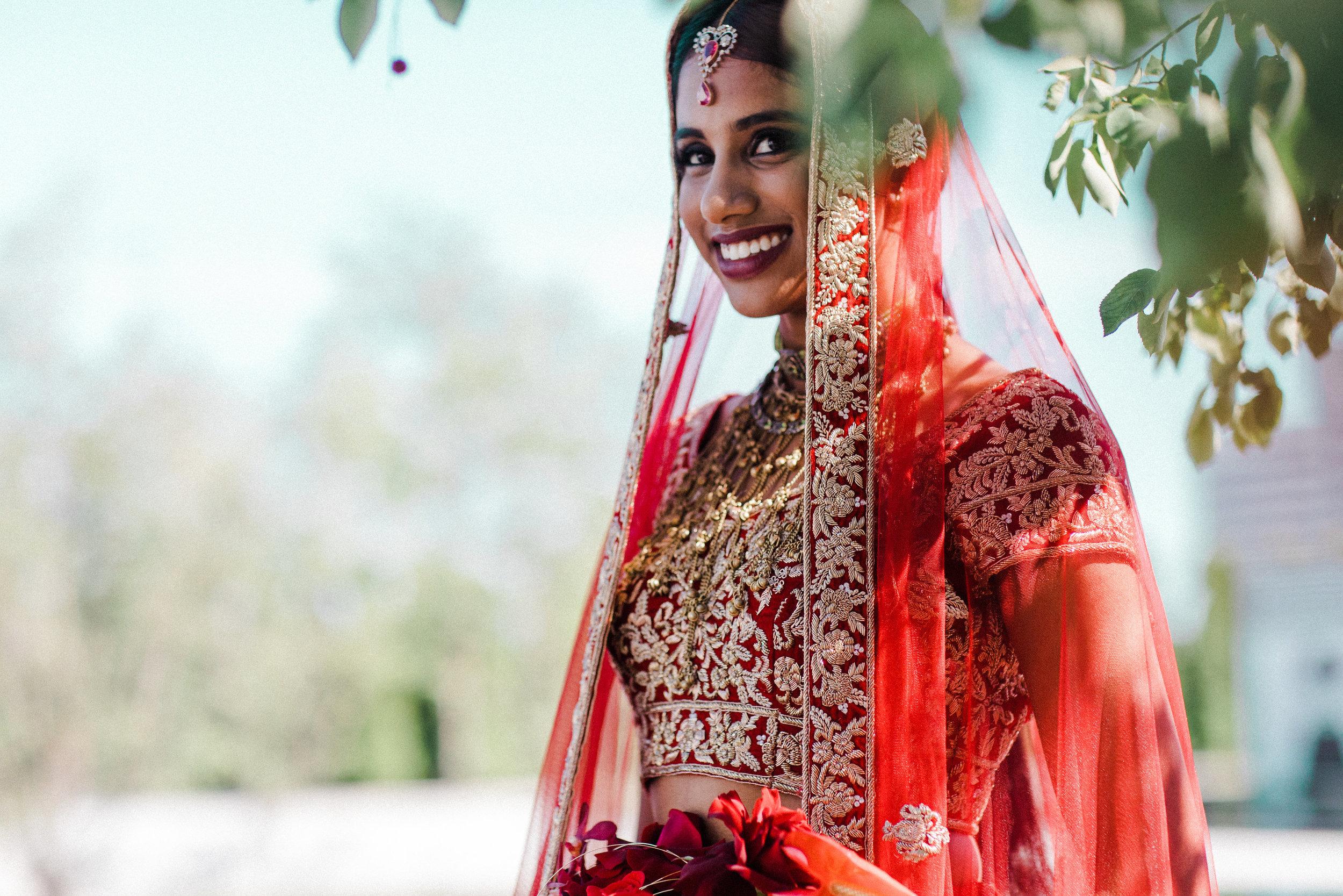 August In Bloom - Smiling bride - Scarlet Sweetheart (Lavish Dulhan)