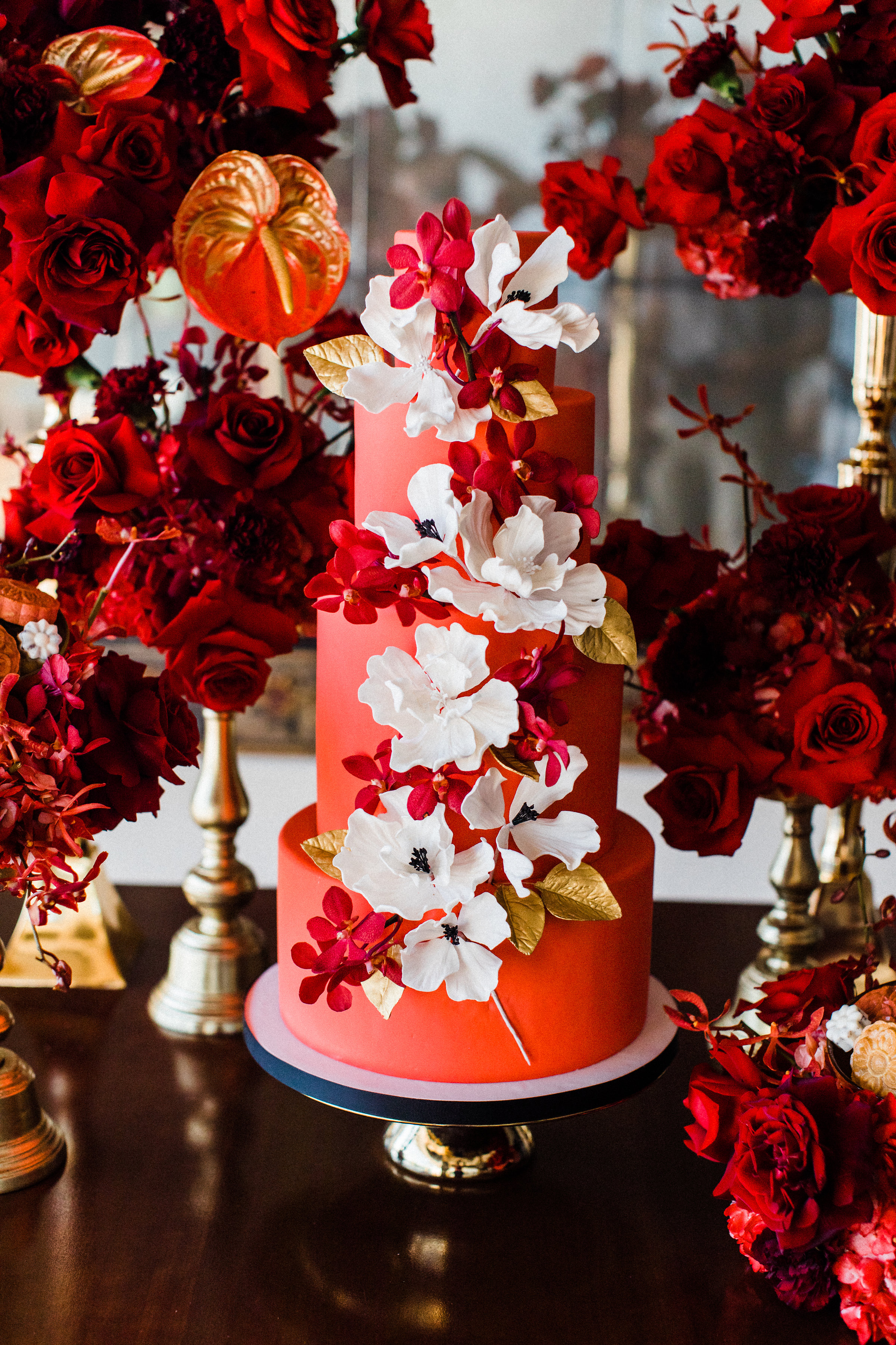 August In Bloom - Cake with floral detail - Scarlet Sweetheart (Lavish Dulhan)