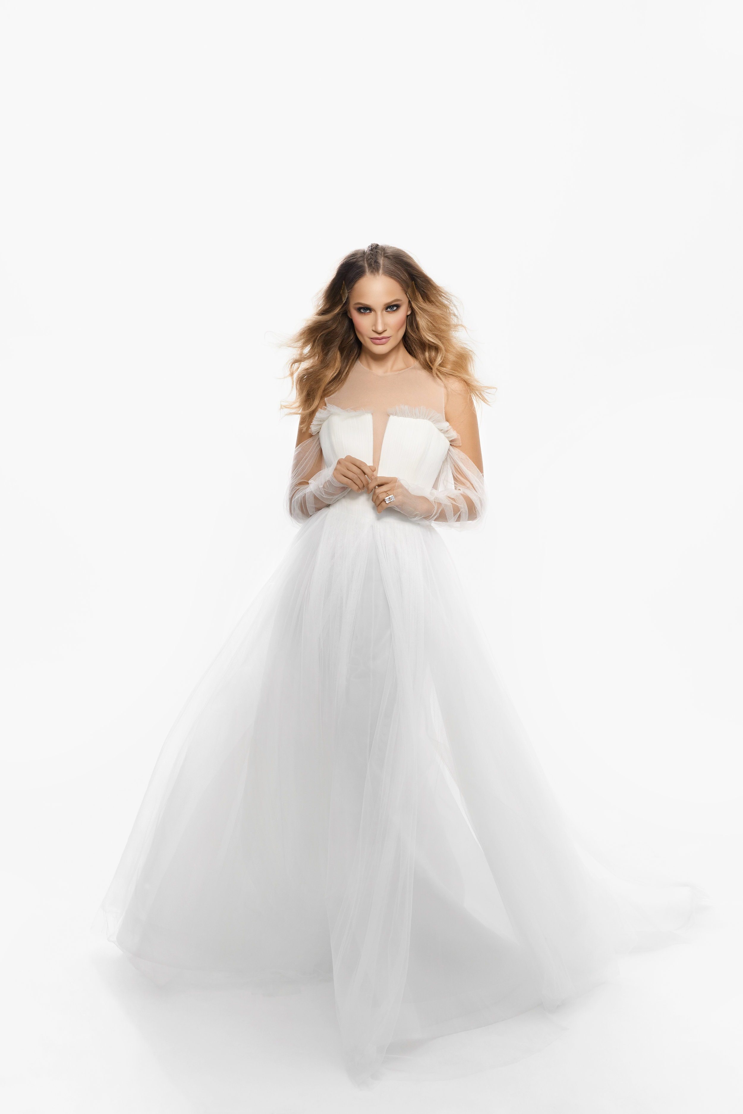 August In Bloom - Bride in Vera Wang princess dress and accessories - Purely Poised (The Bridal Affair)