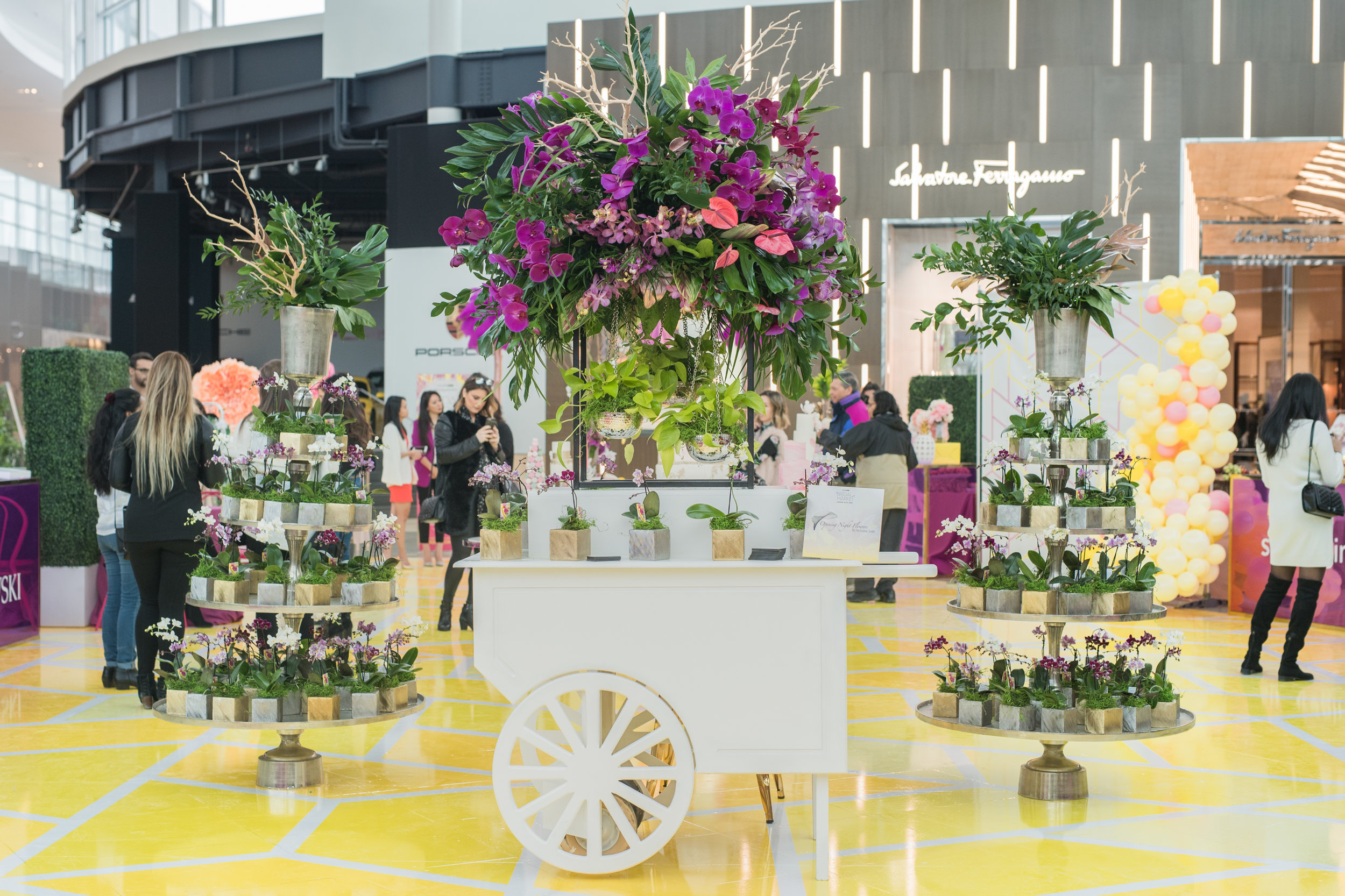 August In Bloom - Flower cart - #SQ1Bridal (Square One Shopping Centre)