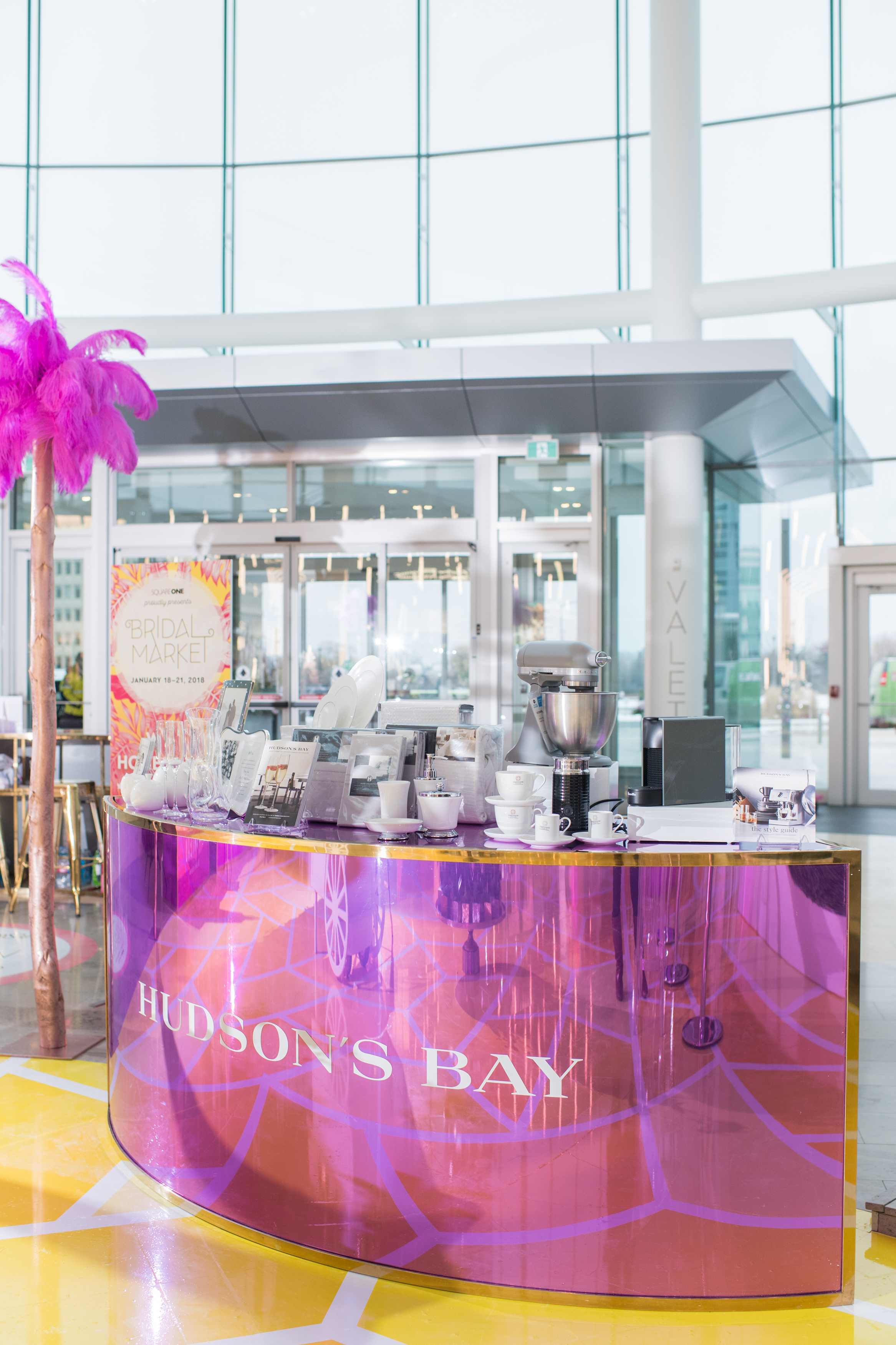 August In Bloom - Hudson's Bay set up - #SQ1Bridal (Square One Shopping Centre)