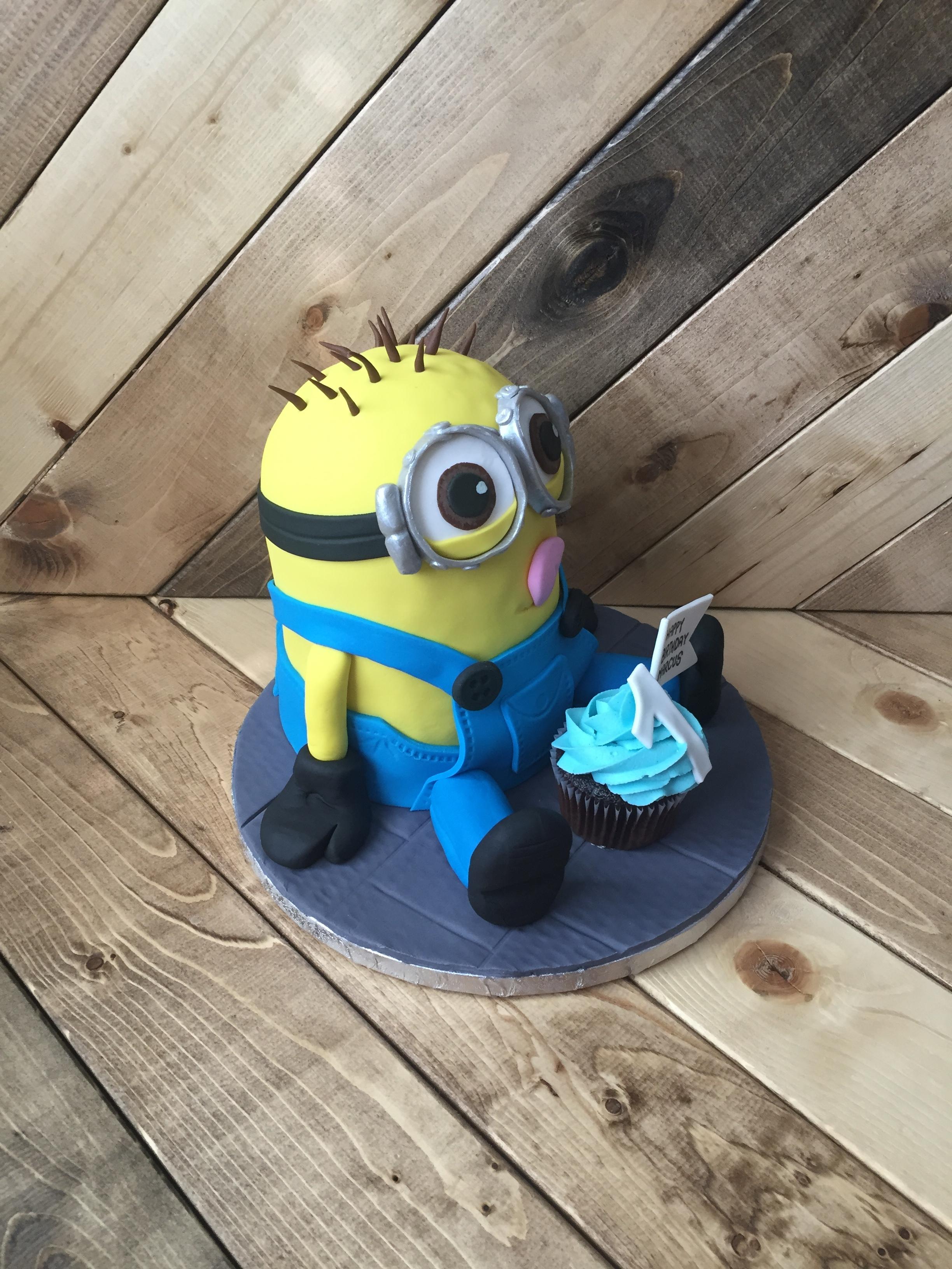 Minion Cake