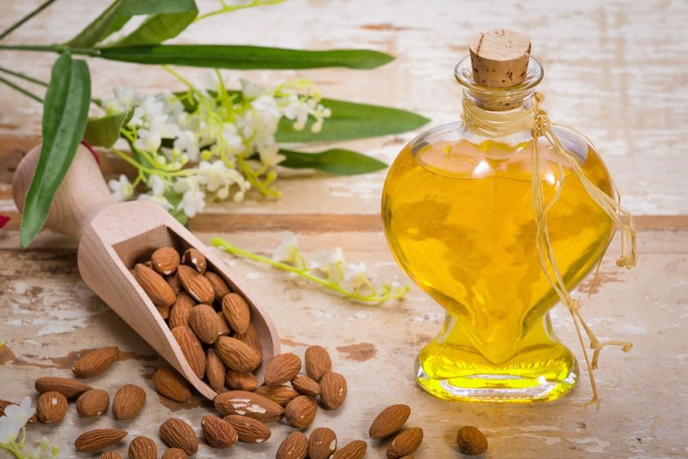 Almond-Oil.jpg