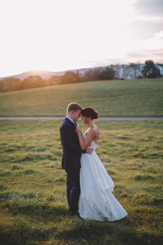 Sam_Stroud_Photography_Wedding_Photography_Marriott_Ranch_Virginia.jpg-40.jpg
