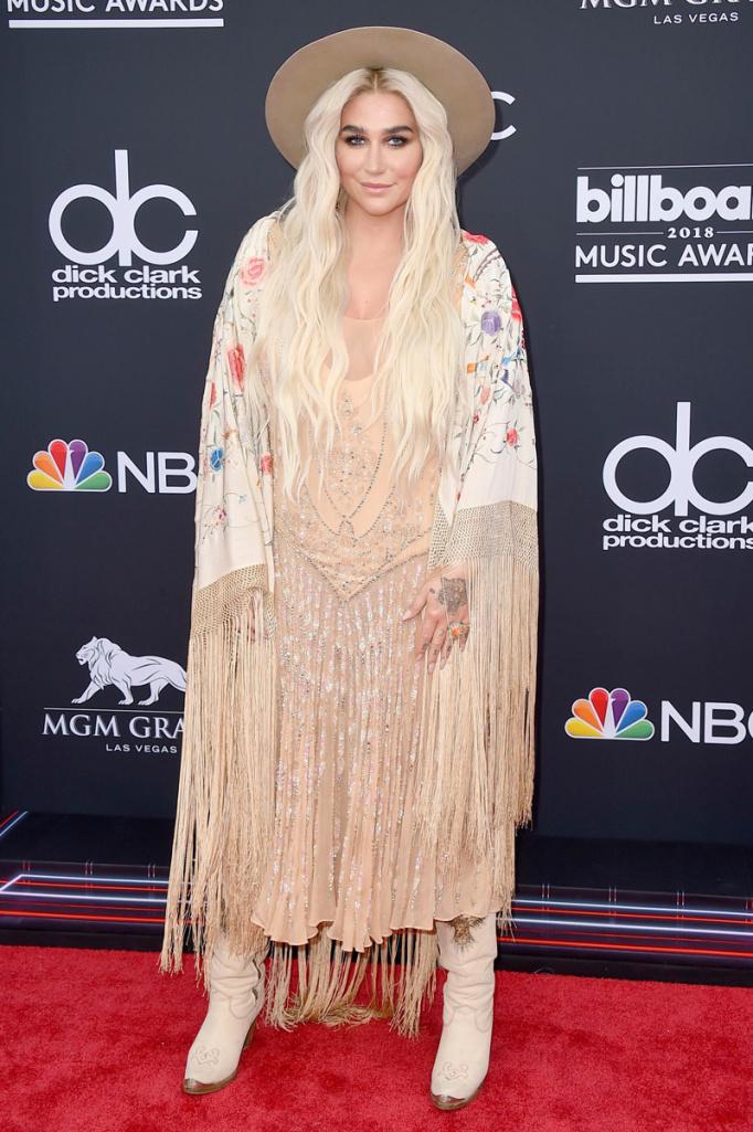 billboard awards/Kesha