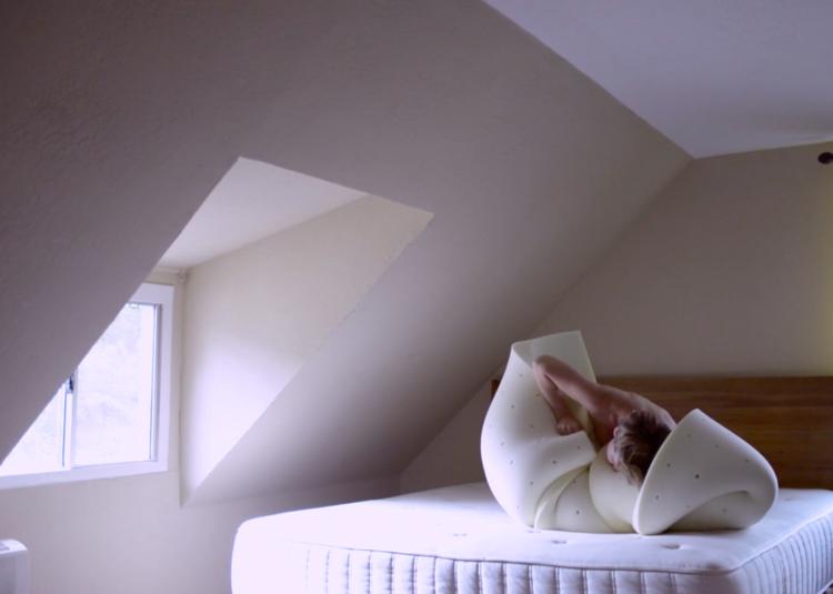 Angela Willets, Memory Mattress Minimalism (video still), 2016