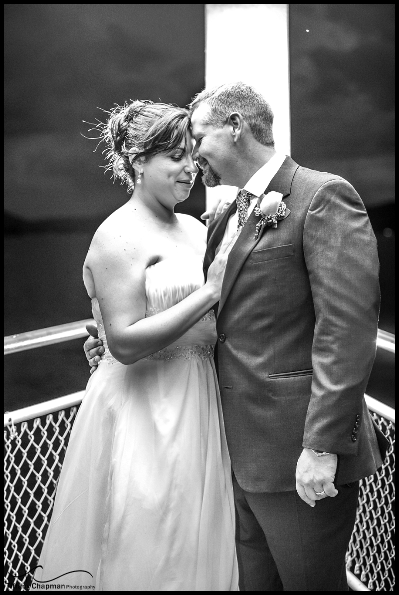 I had to steal one more moment of their time. I love how in love you both look....Nothing else mattered!