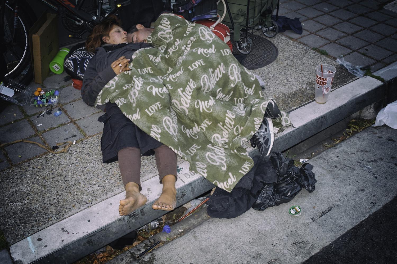 Homeless couple FLASH.jpg