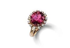 dolce-and-gabbana-jewellery-gold-ring-red-garnet1.jpg