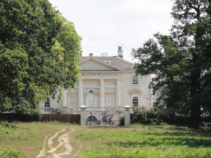 White-Lodge-Richmond-Park-e1316978492521.jpg