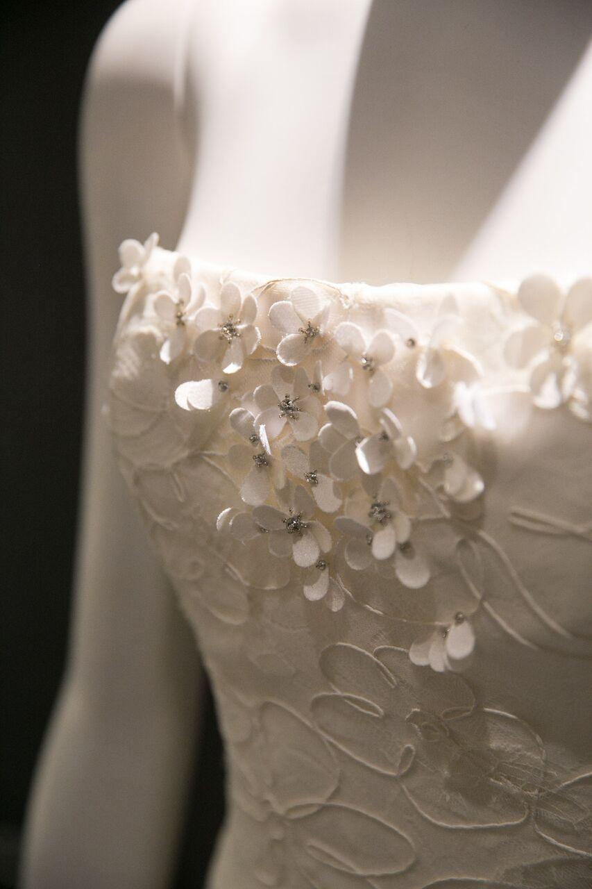 Delicate flower detailing
