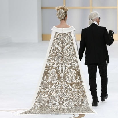 Chanel-Couture-Finale.jpeg