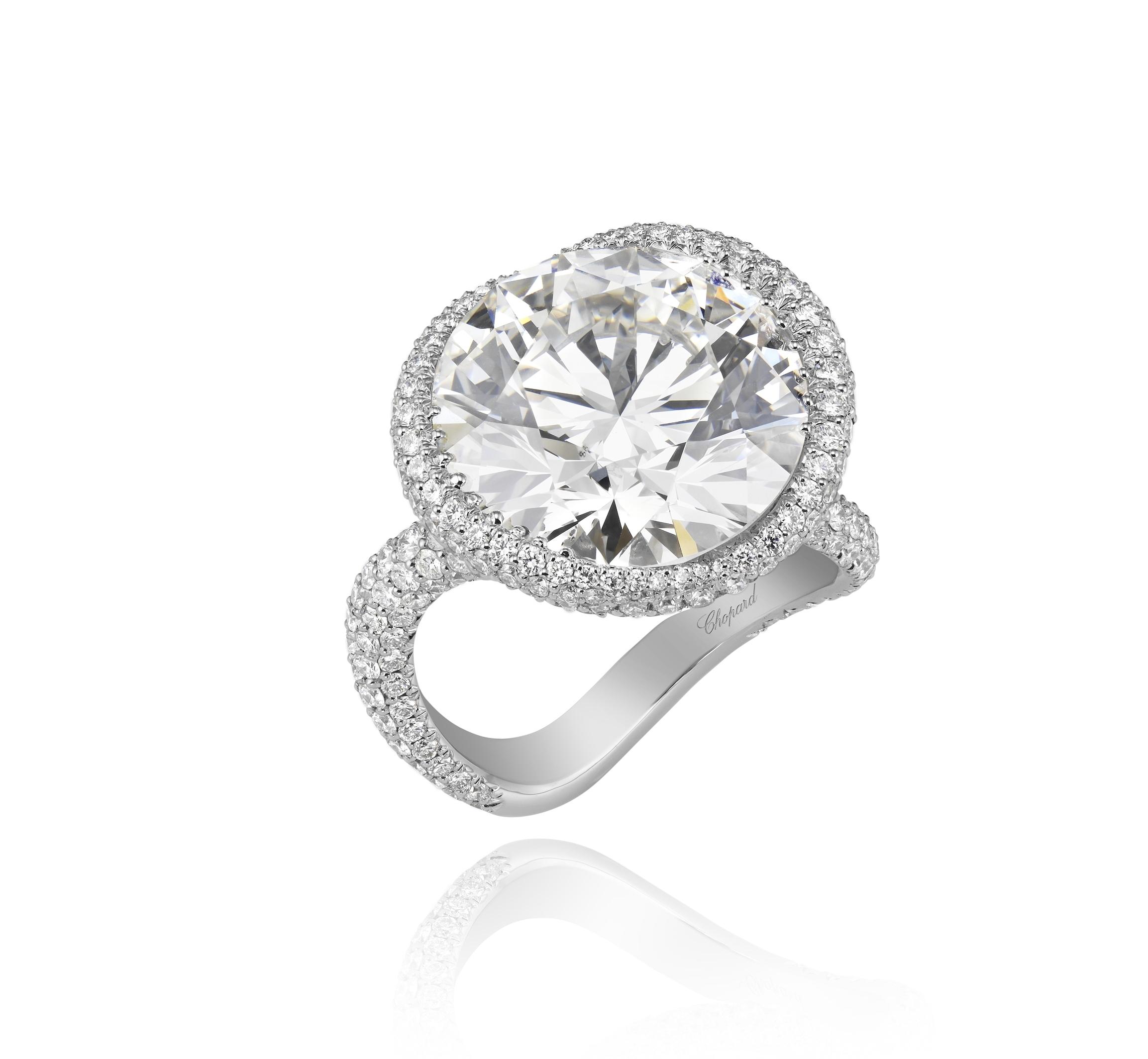 8207737-1001 High Jewellery Diamond Ring.jpg