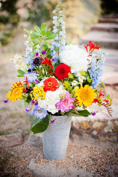 spring-wedding-flowers-christina-kiffney-photography.jpg