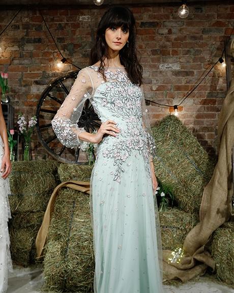 Wedding dress by   Jenny Packham |Photo: Luca Tombolini /  Indigitalimages.com