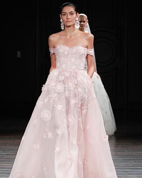 Gown Naeem Khan |Photo: Gerardo Somoza / Indigitalimages.com
