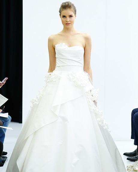 Gown Angel Sanchez |Photo: Luca Tombolini / Indigitalimages.com